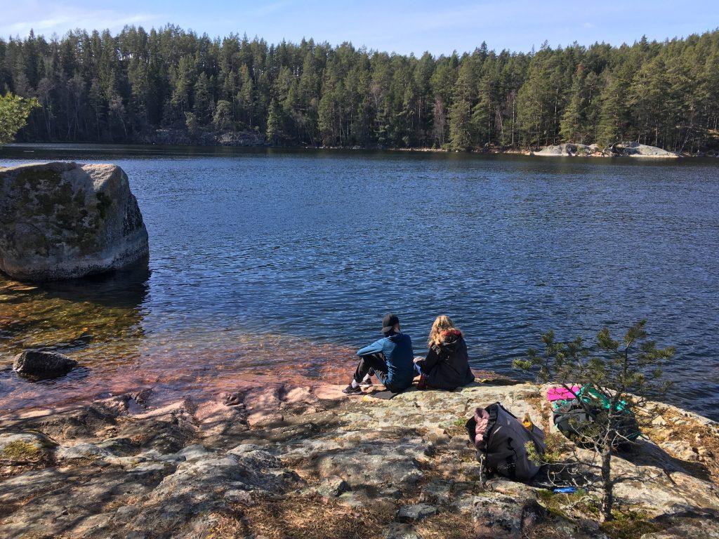 Alva och Elsa på Torpön