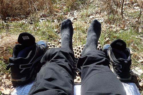 Fötterna pausar - här på väg mot Mörtsjöåsen