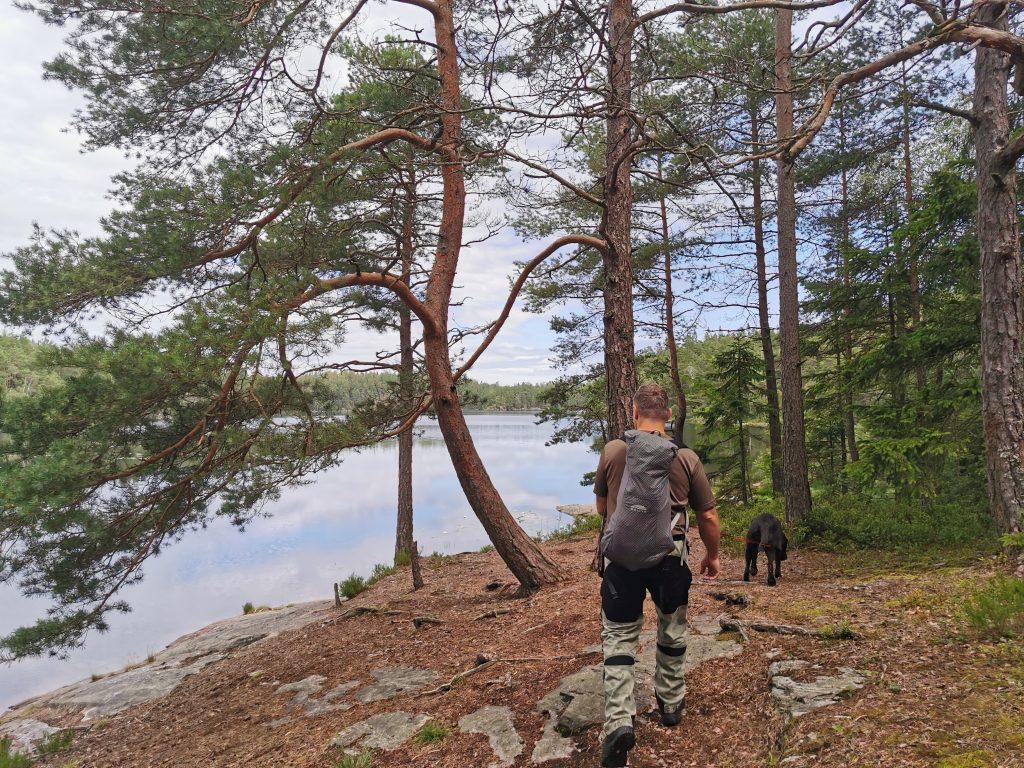 Leden går nära vattnet runt hela Stora Kroksjön