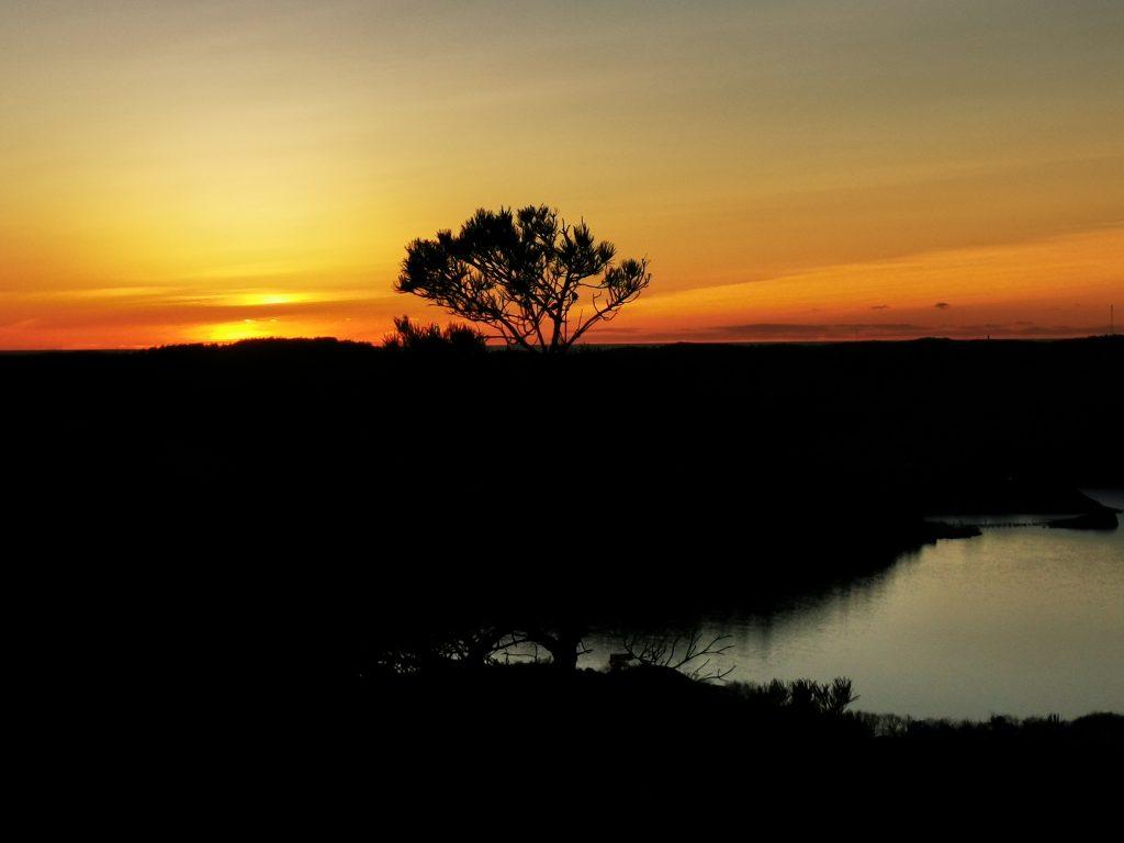 Efter 4 veckors gråväder njöt jag extra mycket av solnedgången!