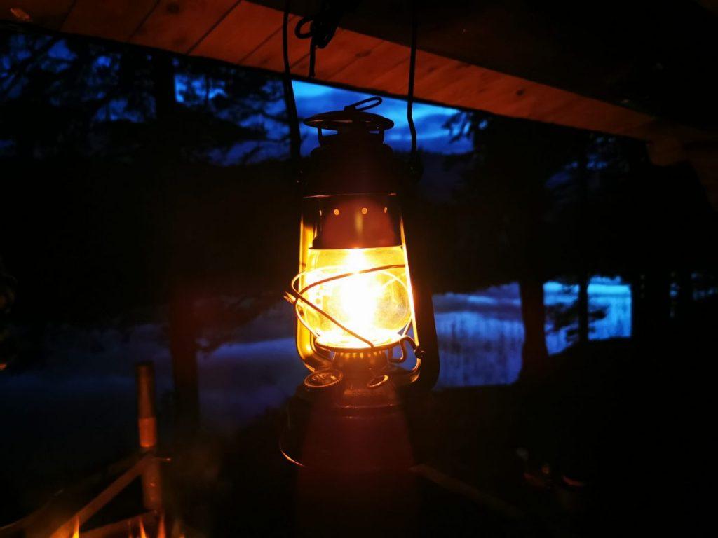 Lampa vid vindskydd, Orustförslaget