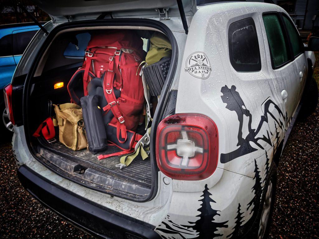 Bilen packad och klar. Foto: Lars Johansson, Göta Äventyr