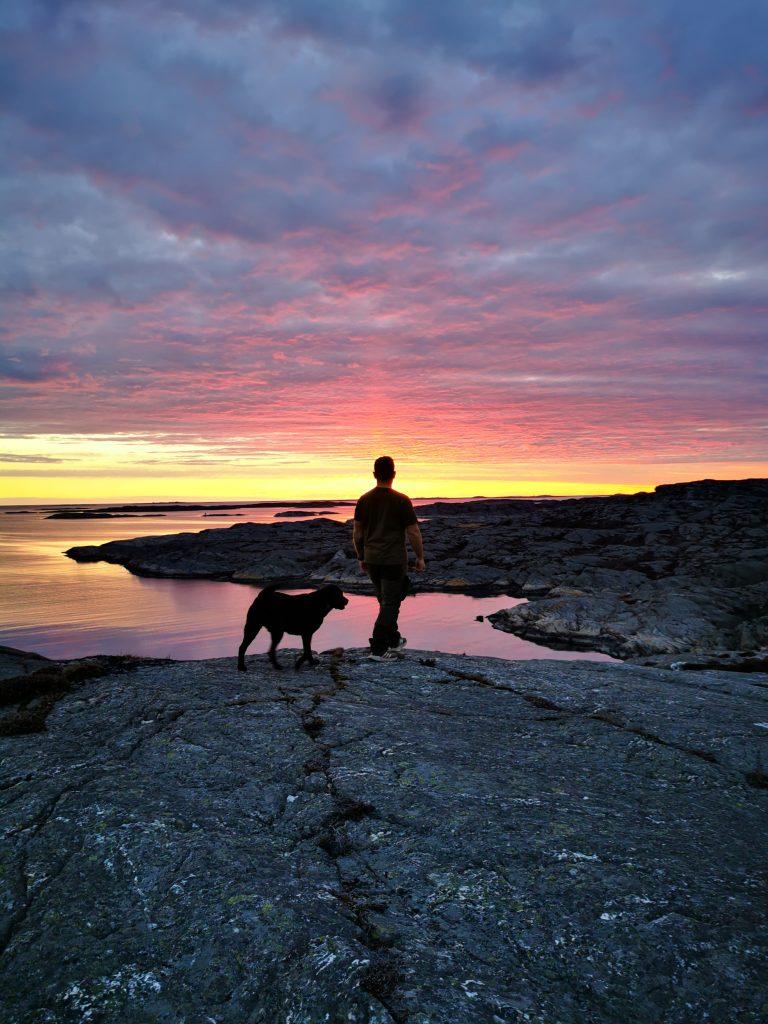 Lars och Wilma i solnedgången