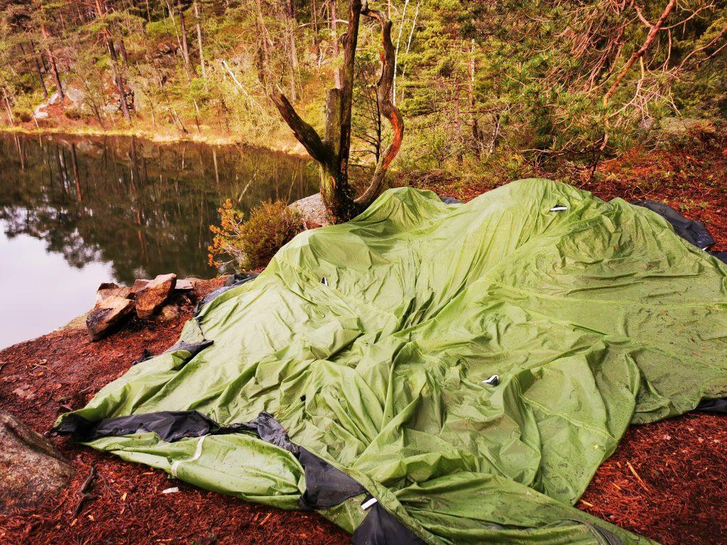 Så här platt var ytan där vi slog upp tältet...