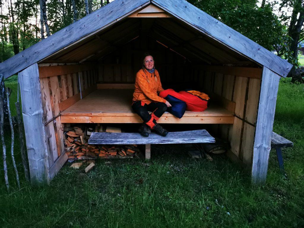 Sovdags i vindskyddet vid STF Lugnåsberget Ekohotell