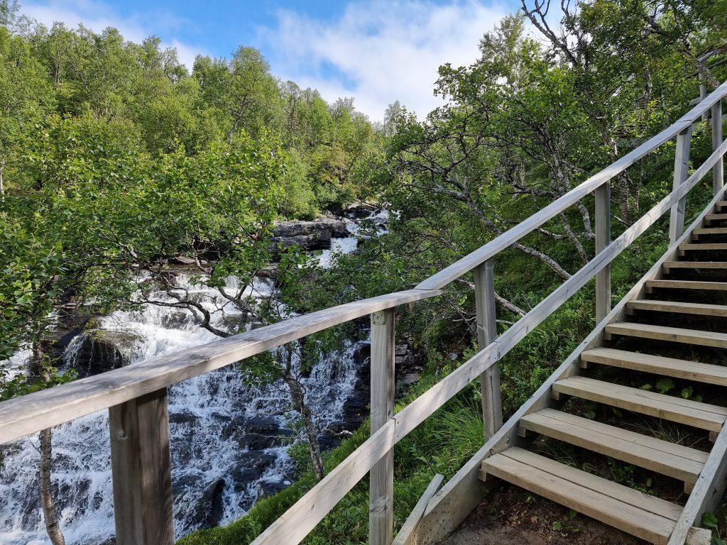 Anderssjöåfallet - här börjar den 303 steg långa trappan