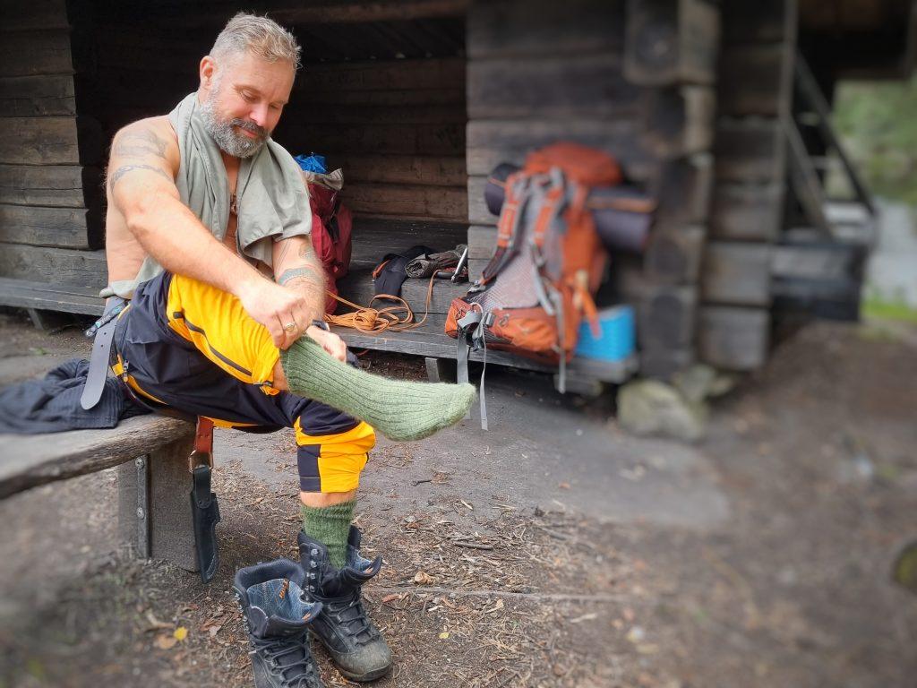 Gott att få på sig torra och varma kläder - här vandringsstrumpor från Happy Hiking