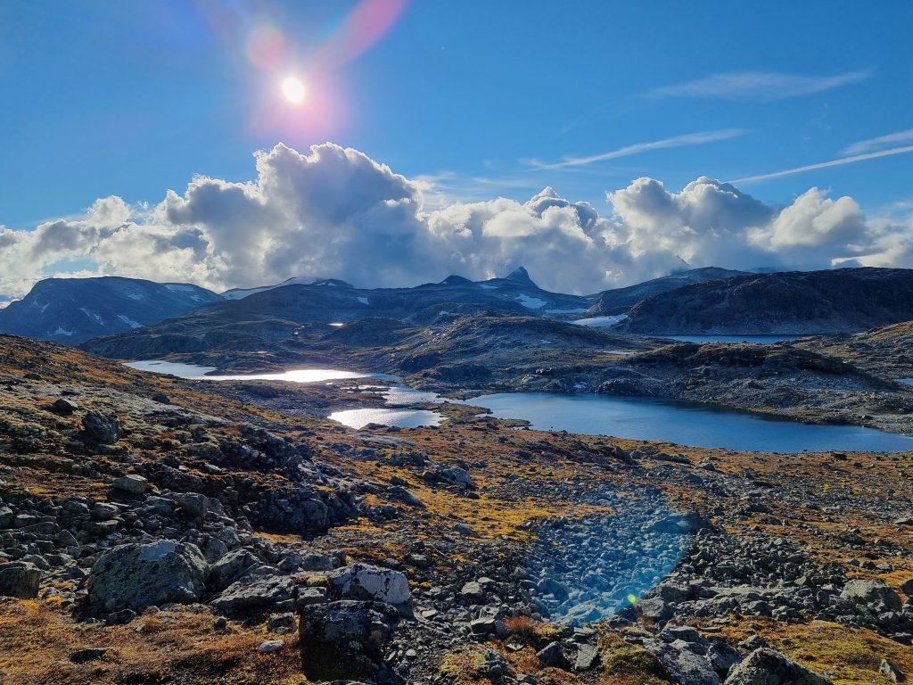Fjäll, sjöar och sten - i stort sett ända från Fondsu